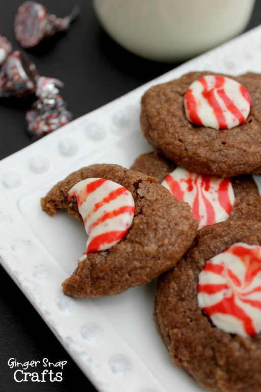 Peppermint Santa Cookies #recipe #cookies #hershey
