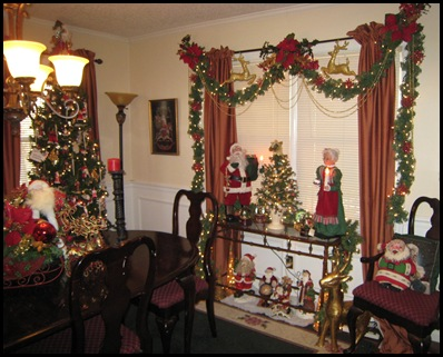 dining room mr and mrs claus 1