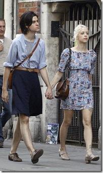 Femulate Couples Dressing Like Girls Транскрипция и произношение слова female в британском и американском вариантах. femulate
