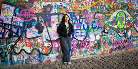 Lily Leung: Praga, zid cu graffiti