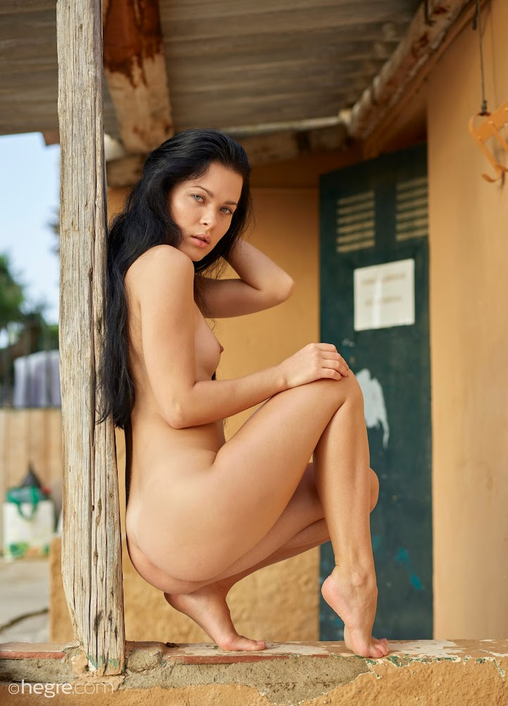 [Hegre-Art] Belle - Wild West Nudes