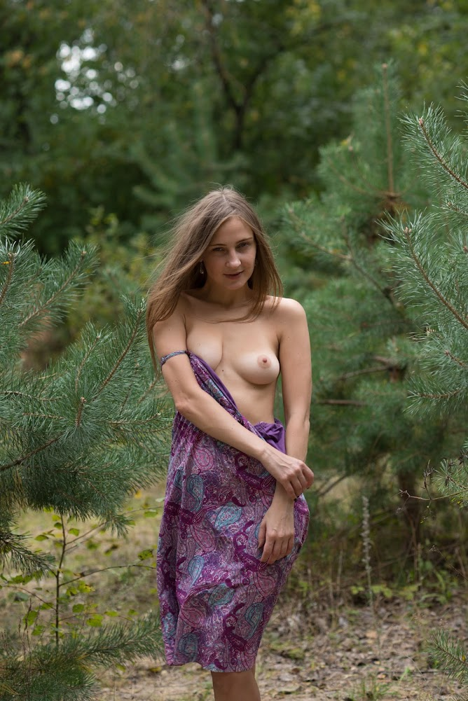 [Eroticbeauty] Lenta - Naked In Nature - idols