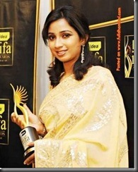Shreya-Ghoshal-in saree
