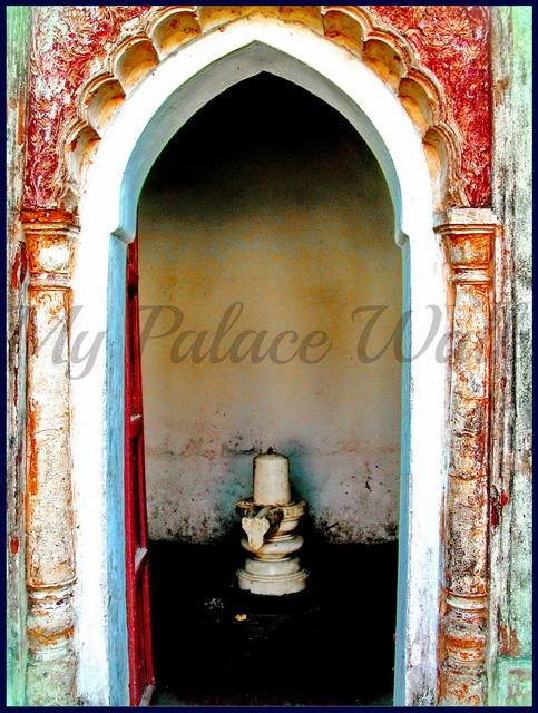 Arched entrance to parayer room with white Shiva Lingam, Rajbari Temples, Kalna, West Bengalin