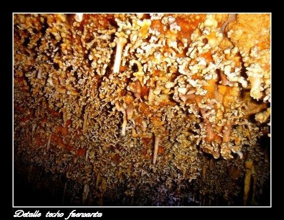 Detalle del techo cueva fuensanta