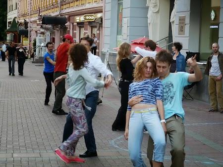 . Dansatori pe Arbat