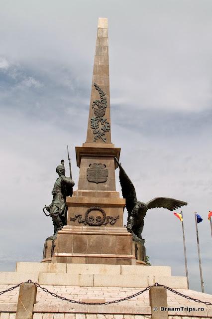 Monumentul Eroilor Tulcea 7123.JPG