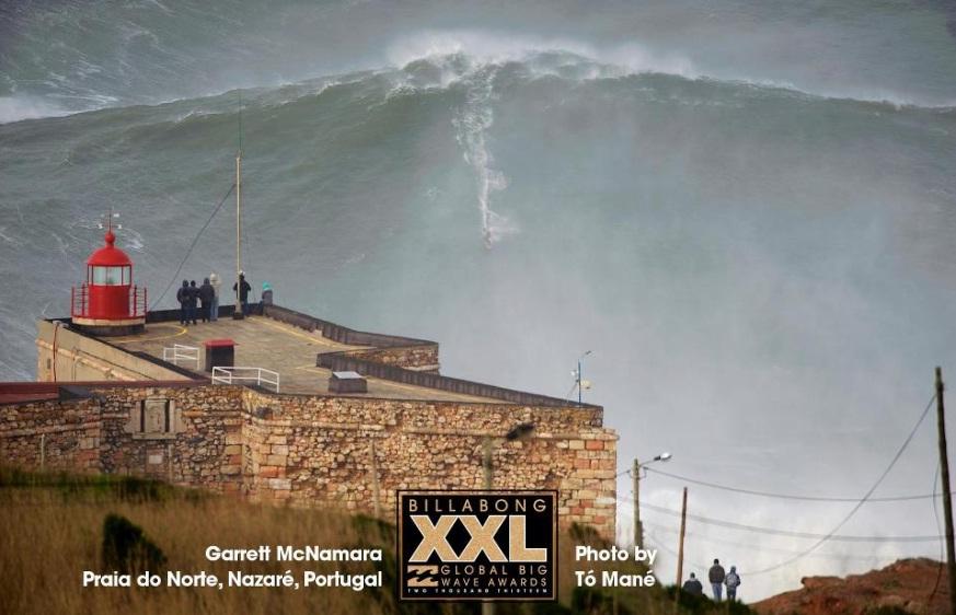Portugal - Garrett McNamara sur une vague de 27 mètres a Nazaré (vidéo)  dans Sport surfer+Garrett+McNamara+Nazar%C3%A9+Portugal.+jpg