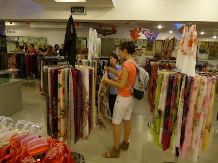 Shopping Shanghai: cumparaturi de matase