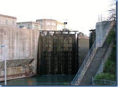 8061 Welland Canals Pwy - St. Catharines - Welland Canal Lock 4 - lock gates opening