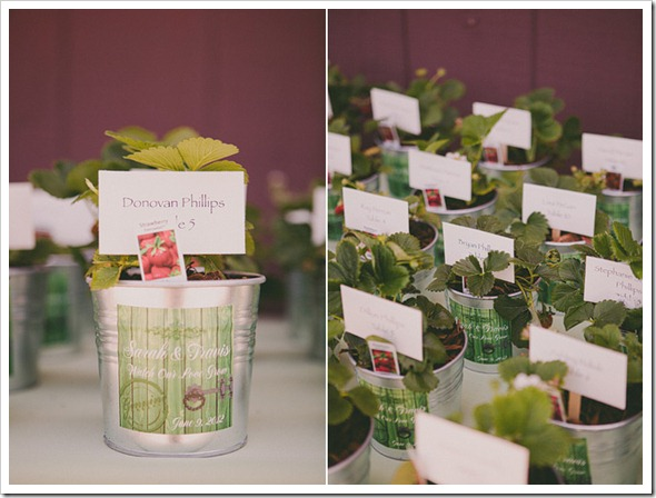 strawberry-farms-wedding-photos-blogger-boquet-white-bride-groom-decor-decoration-table-name