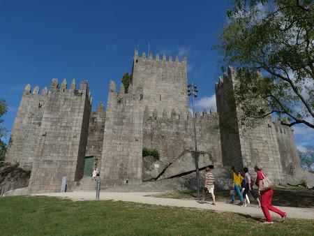 Obiective turistice Guimaraes: cetatea