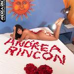 Andrea Rincon, Selena Spice Galeria 48 : Solo Para Ti, Corazon Petalos De Rosa En La Cama – AndreaRincon.com Foto 4