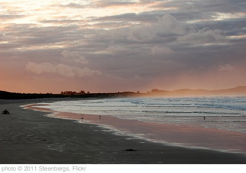 'Sunset Over Beadnell Bay' photo (c) 2011, Steenbergs - license: http://creativecommons.org/licenses/by/2.0/