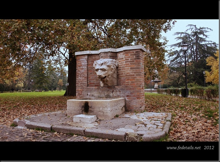 Parco Massari ( fontana ), Ferrara, Emilia Romagna, Italia - Parco Massari ( fountain ), Ferrara, Emilia Romagna, Italy - Property and Copyrights of www.fedetails.net