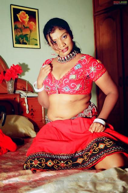 aunty boddu pics
