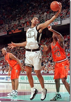 1996-tim-duncan-air-max-uptempo-virginia-kamikaze-21