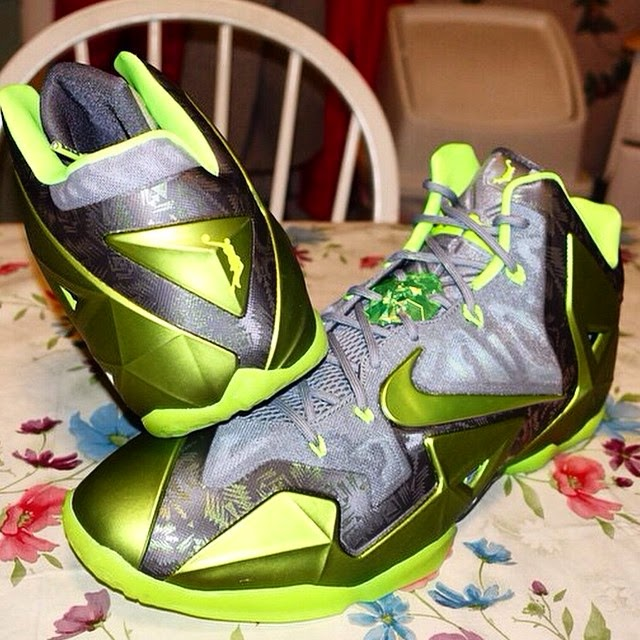 official photos befb0 bf740 Unseen Nike LeBron XI 11 8220Dunkman8221 Player Exclusive ...
