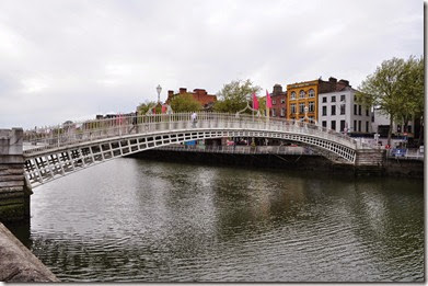 Dublin. Ha Penny's Bridge - DSC_0492