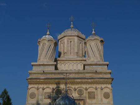 Obiective turistice Romania: Catedrala Curtea de Arges