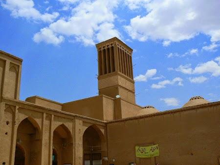 17. Yazd, orasul tradtional din Iran.JPG