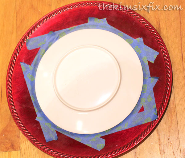 plate circle as template for chalkboard - Christmas Charger Plates
