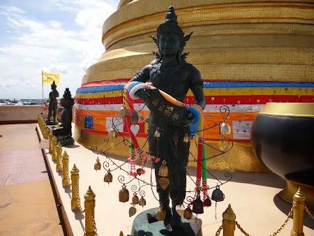 Gratis Bangkok: Pe muntele de aur