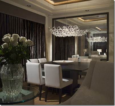 Luxury-dining-room-with-large-mirror