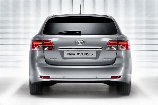 Toyota_Avensis-11.jpg