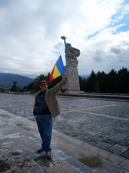 Obiective turistice Tirana: Mama Albania