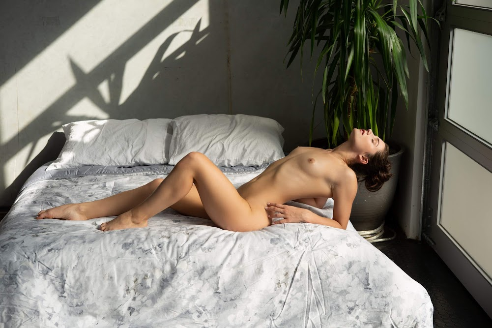 [Playboy Plus] Alexandra Belle - Morning Desires 1539715501_abelle16_0010