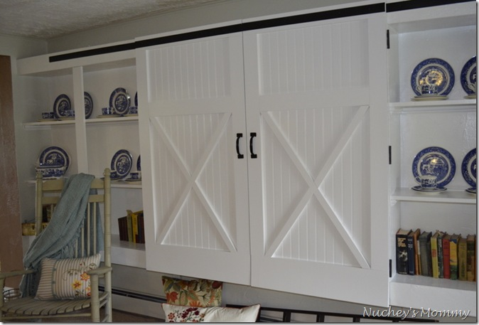 Remodelaholic barn door cabinet for Barn style kitchen cabinets