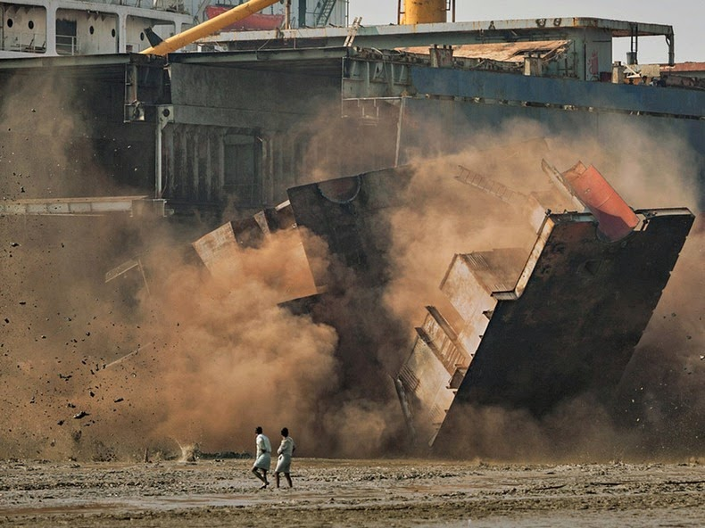 chittagong-ship-breaking-yard-14