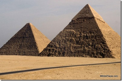 Cheops' and Chefren's pyramids, tbs58109012