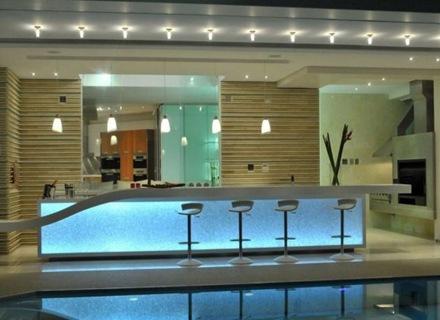 arquitectura_piscina-casa-de-lujo