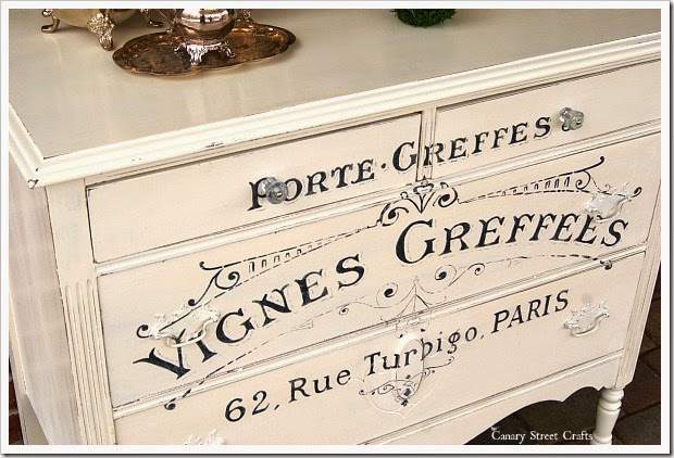 french-graphic-dresser-angle