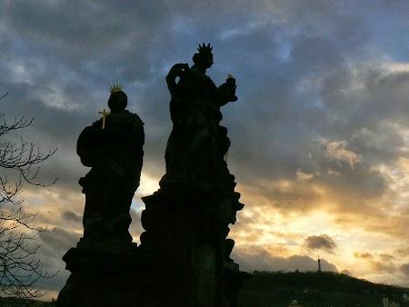 Statui de pe pod din Praga