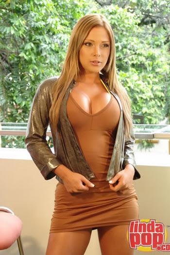 Milena Guzman Striptease Foto 11