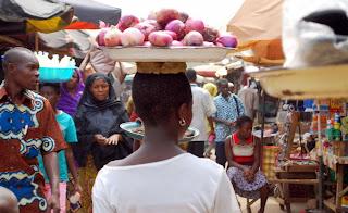 Une vue d'un marché africain. Photo fotocommunity.fr
