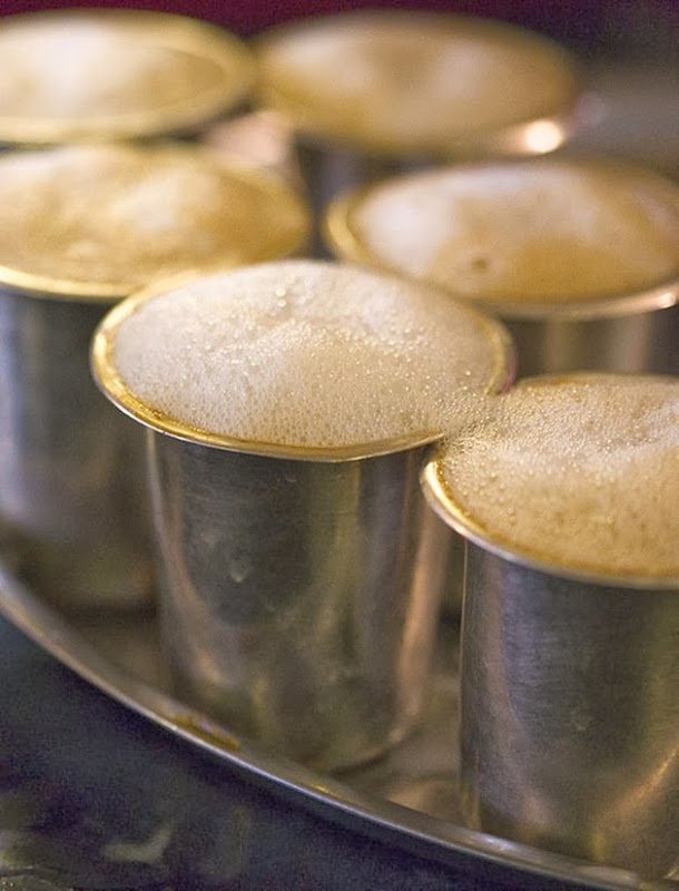 586px-Foaming_filter_coffee