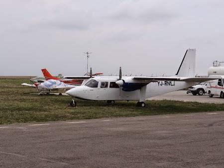 25. Avioane la Tuzla.JPG