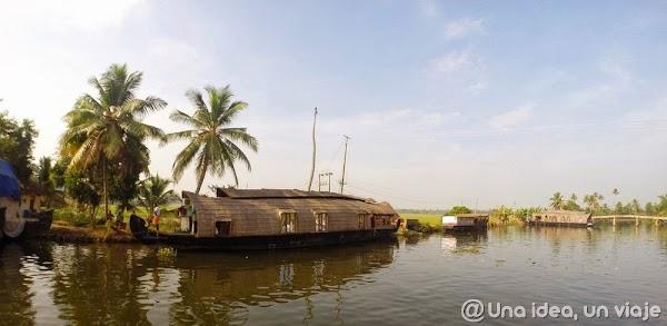 Kerala-backwaters-Allepey-6.jpg