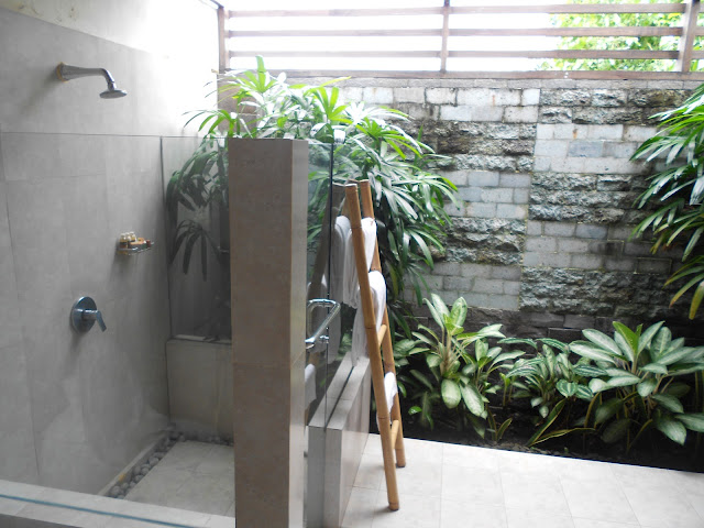 bathroom, outdoor bathroom, bali accomodation, bliss sanctuary for women