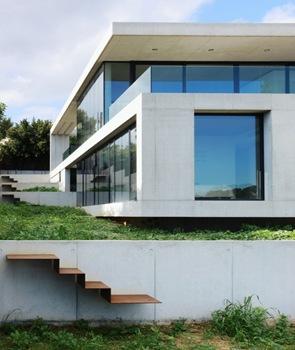 fachada-minimalista-casa-en-costa-d'en-blanes-sct-estudio-de-arquitectura