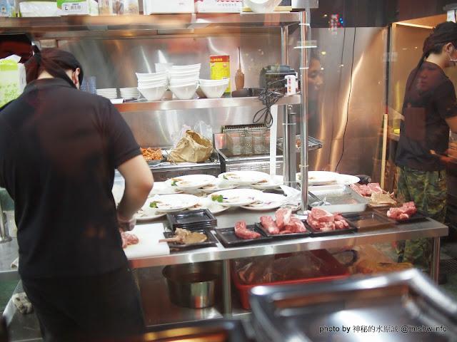 【食記】新北熱火鮮切碳烤牛排館@永和捷運MRT永安市場 : 肉質鮮甜, 烹調得當, 每一口都是享受!! 區域 午餐 台式 和牛 捷運美食MRT&BRT 排餐 新北市 晚餐 永和區 牛肉麵 美式 豬排 雞排 飲食/食記/吃吃喝喝