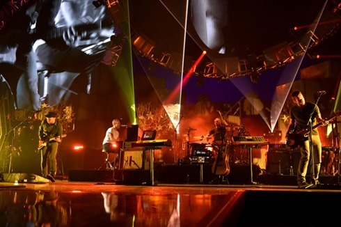 Chris Martin 2014 iHeartRadio Music Festival X3_hUHWzlbPl