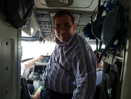 In cabina pilotilor Carpatair - cockpit