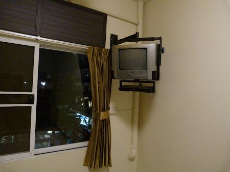 Cazare ieftina Thailanda: televizor suspendat Rambuttri Village Inn Bangkok