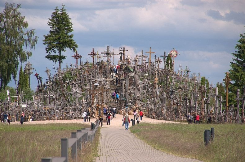 hill-of-crosses-0