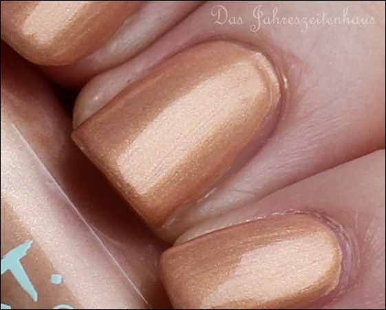 P2 Far east So close LE 010 Golden Amber Nagellack 5